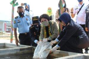 Kunjungi Lapas Perempuan Pontianak, Ketua Dharma Wanita Persatuan Ditjenpas Minta Warga Binaan Produktif